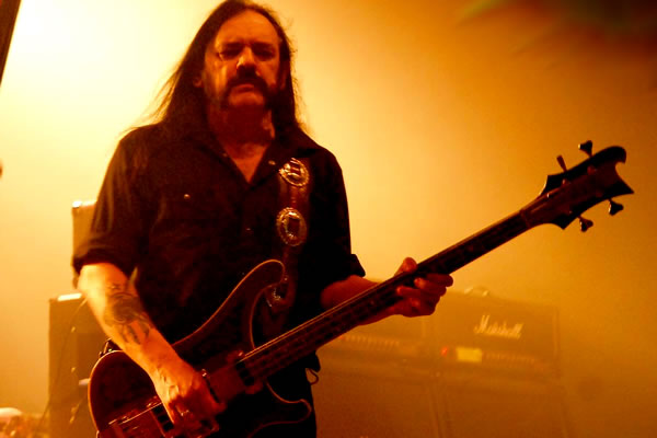 Lemmy com Motorhead na Via Funchal 2007 em SP - por Stephany Julia (Portal Metal Revolution)